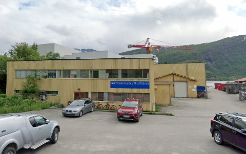 Grovfjord mekaniske verksted er rammet av korona. 15 ansatte har så langt testet positivt.
