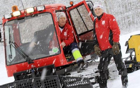 Løypekara: Harald Weseth (til v.) og Alf Åsberg har kjørt løyper i Hof siden 1976. arkivfoto: jarl rehn erichsen
