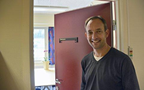 FORNØYD: Alexander er direktør ved Buskerudmuseet. Nå har har gjort flere ansettelser.