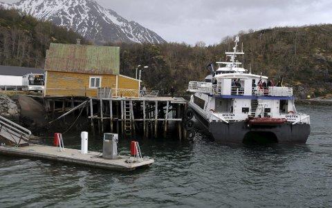 Hurtigbåten ved kai i Skutvik