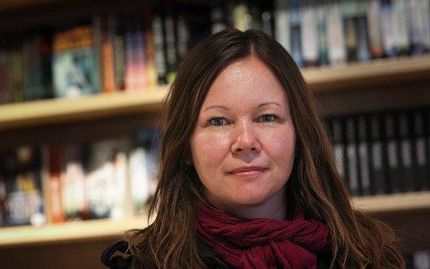 """BOK NUMMER TRE: Forfatteren av """"Fie faller"""", Therese Aasvik fra Moss, kommer med sin bok nummer tre, """"Byer uten deg""""."""