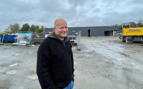 ÅPNER I FEBRUAR: I februar åpner Tore Pinderud denne Kiwi-butikken på Augerød i Våler. Det gleder han seg stort til.