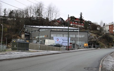 VÅRVEIEN 51: Det jobbes med store planer om utbygging av denne eiendommen nederst i Vårveien.