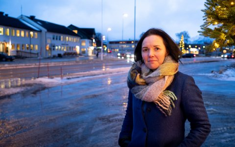 BEKYMRET: Ordfører Hilde Anita Nyvoll er bekymret over tallene som viser nedgang i folketallet i den største kommunen i Nord-Troms.