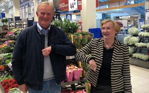 FUSJONERER: Svein Are Olsen, styreleder Coop Høylandet og Lisbeth Bull Husby, styreleder Coop Midt-Norge