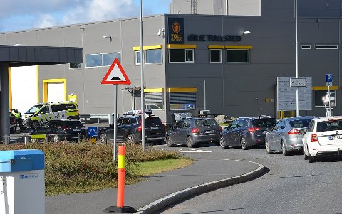 MINDRE PÅGANG: Køene inn til tollstasjonen har vært kortere enn de var 25. juli.