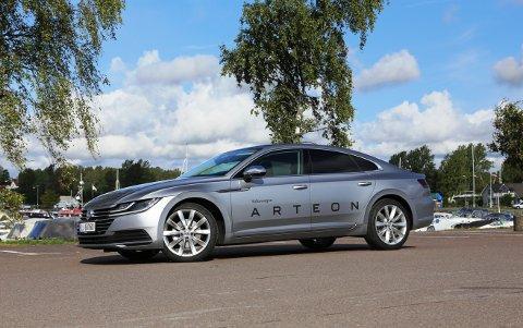 KONKURRENTER: Volkswagen prøver å krige seg inn i premium-segmentet med elegante Arteon. To av konkurrentene er Audi A5 Sportback og BMW 4-serie Grand Coupé.