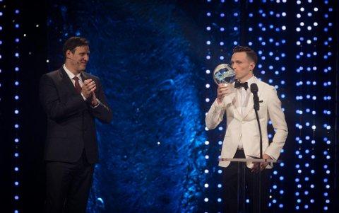 STORESLEM: Karsten Warholm stjal showet under årets idrettsgalla i Hamar.