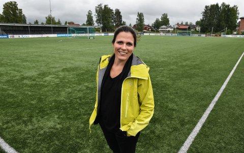 SKIFTER JOBB: Ved årsskiftet slutter Ida M. Dyreng som daglig leder i Elverum Fotball.