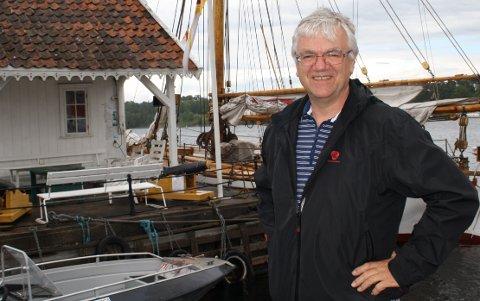 Hallgeir Kjeldal og formannskapet vedtar den lokale forskriften klokka 18.00 lørdag. Da er det stopp på trening og fritidsaktiviteter for alle over 13 år.
