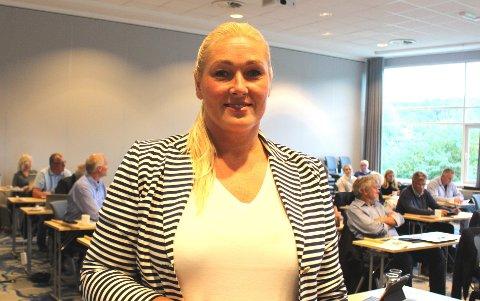 KRISESTØTTE: Næringssjef Hege Bjørnerud gav torsdag kveld kommunestyret informasjon om hvilke næringslivsbedrifter i Bamble som er tildelt korona krisestøtte fra den statlig-kommunale krisepotten på 2.491.000 kroner i september.