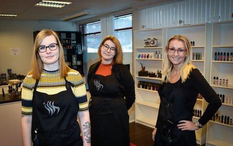 - Jeg tror dette blir veldig bra, sier butikkansvarlig Kamilla Jensen. Fra venstre: Kamilla Jensen, Maja Ellingsen og Ruth-Elin Bergum Sveinall.