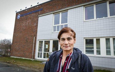 Fagsjef i Helgelandssykehuset, Ida Bukholm mener hendelsen i Sandnessjøen gir viktig læring. – I kartleggingen av helsearbeidere vurderer vi nå om vi skal spørre om de har hatt symptomer innen de to siste månedene, ikke bare de ti siste dagene. Ved positivt svar kan det bli aktuelt å rekvirere antistofftest (blodprøve) samtidig som vi tar ordinær RNA-test (nesetest) for Covid-19, sier hun. Foto: Øyvind Bratt