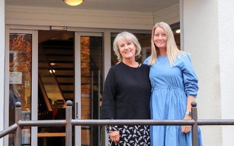 EIERSKIFTE: Etter 35 år gir Britt-Helene Johansen tøylene over til Lise Olderskog Langø og Bård Anders Langø (som ikke ble med på bildet).