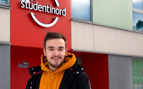 TRIVES I MO I RANA: Jordy Lokhorst fra Lyngdal trives som førsteårs sykepleiestudent ved Nord universitet.