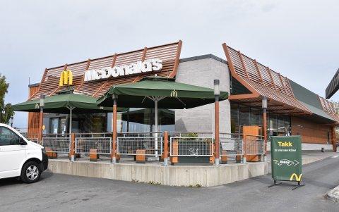 STENGT: McDonald's i Brumunddal.