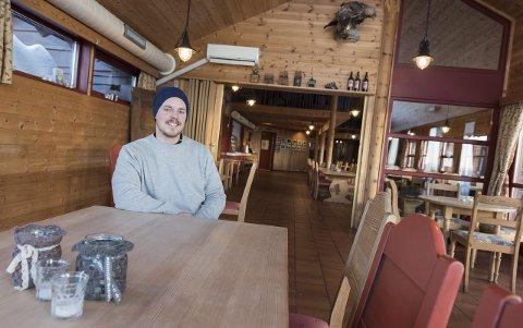 Det er åpen kafé på Ringkollstua hver helg og på tirsdager og torsdager.