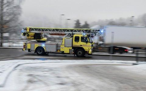 NYE STASJONER?: Politikerne i Ringerike skal i mai bestemme om dagens brannstasjon skal oppgraderes, eller om det skal bygges en ny. Og om det skal bygges enda en brannstasjon.