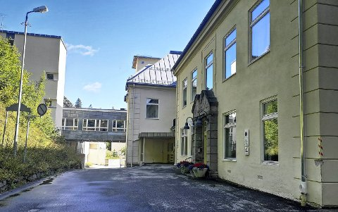 SYKEHUS: Partene - huseier og Tinn kommune - forhandler om mulig kjøp og utvidelse av tilbudet på det tidligere sykehuset.