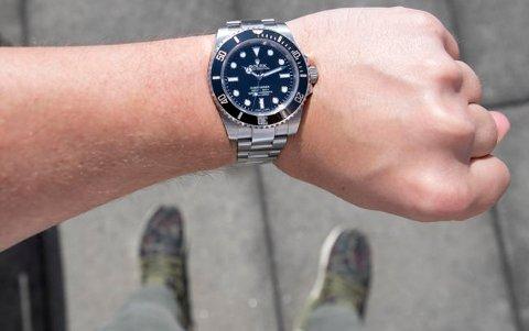 Rolex Submariner, her i en såkalt nodate-utgave, er en av de mest populære Rolex-modellene. Men hva skjer om du forsøker å kjøpe en? Foto: Torstein Bøe NTB scanpix