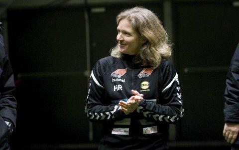 Nøtt: Hege Riise tenker på hvordan hun skal få LSK Kvinner best rustet til en lang høstsesong. Foto: Lisbeth Lund Andresen