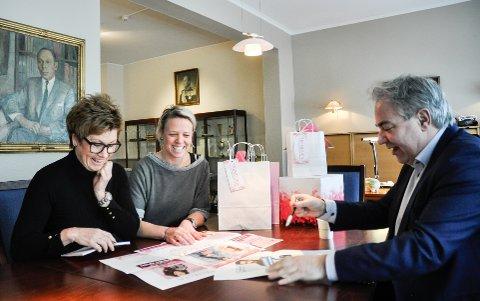 PLANLEGGER: Trenduka har vært diskutert siden før jul. F.v. Elisabeth Teien fra Sandefjord Byen Min, og Inger-Anne Hem og Geir Ellefsen fra Hvaltorvet.