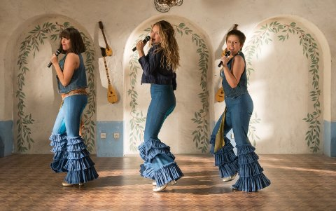 GOD STEMNING: Mange så den første Mamma Mia-filmen. Nå kommer oppfølgeren.