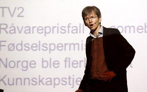Overgang: – Det er viktig å sikre en god overgang til digitale tjenester, sier Paul Chaffey (H). Foto: Lise Åserud, NTB scanpix