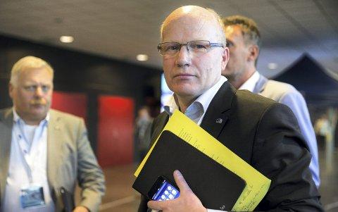 Stortingsrepresentant Hårek Elvenes (H) sier at Ipad i politibil er en viktig del av politireformen.