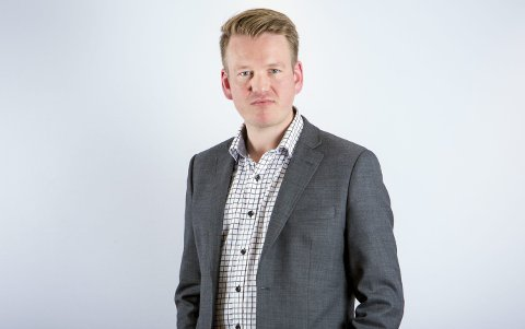 Anders Tyvand i KrF er skuffet over Aps løfter om en nasjonal norm for lærertetthet.