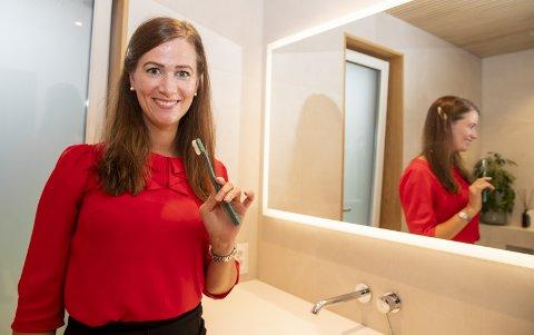 Venstrehåndsarbeid – å bruke venstrehånda til tannpuss trener høyre hjernehalvdel. Alle foto: Terje Pedersen / NTB