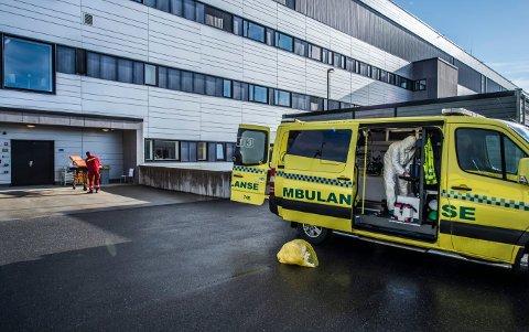 Illustrasjonsfoto. Personene på bildet er ikke knyttet til smittetilfellet i ambulansetjenesten.