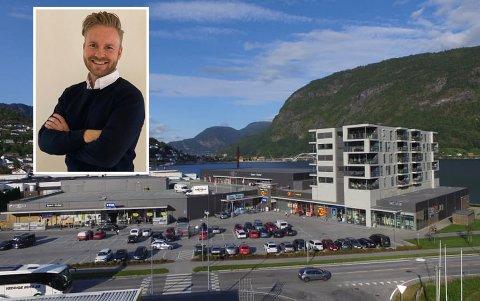 GODT ÅR: Frode Einarsen i Einarsen Eigedom seier det var ei solid auke i handelen på Sjøkanten i Sogndal i 2020.