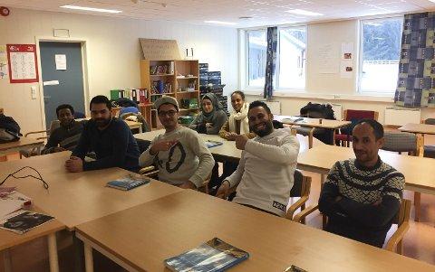 Lærer norsk: Elevene på introduksjonsprogrammet håper å gå på norsk grunnskole for voksne når de er ferdige.  jonette Øyen