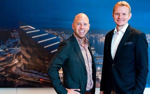 Emil Eriksrød og Eirik Engaas er meget godt fornøyd med innhenting av 130 millioner kroner i R8 Propertys rettede emisjon. Foto: Max Emanuelson
