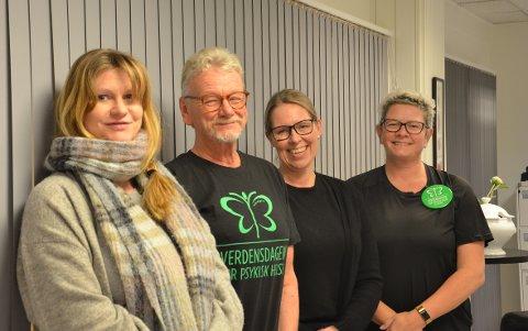 SNAKKE SAMMEN: Psykolog Ellen Jørem (t.v), spesialvernepleier Rune Morten Lorvik, enhetsleder Linda Rørvik og spesialsykepleier May-Britt Nyborg sier det er viktig å snakke om psykiske plager, siden alle har en psykisk helse.