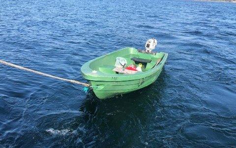 Politiet sier at man har iverksatt søk i Oslofjorden og ønsker tips i forbindelse med denne båten.