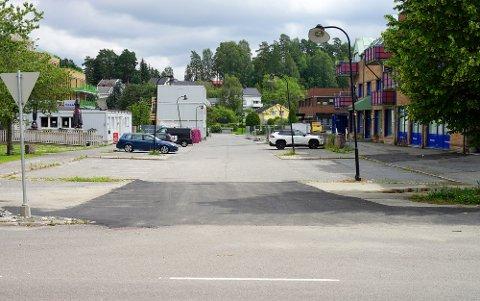 Rådhusgata er ikke lenger en blindvei. Et nytt kryss har kommet til ved Garderveien.