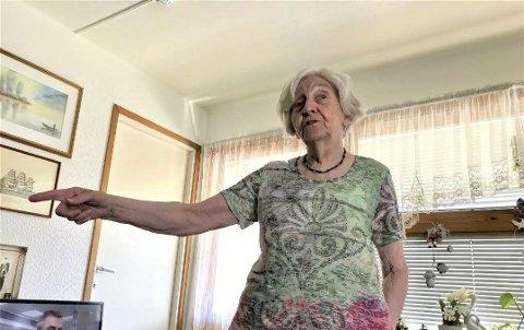 FRUSTRERT: Marie Jakobsen er fortvilet over at Agder kollektivtransport (AKT) har droppet sykehusstoppet i ruta fra Risør.Foto: arkiv
