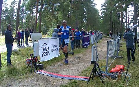 SUVEREN: Mads Henrik Sandnes løp inn til seier på den korte løypa i 55-59-årsklassen.
