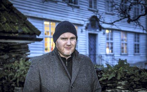 Forfattar Jan Roar Leikvoll gjekk bort i 2014.