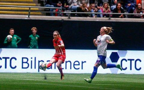 Ingrid Ryland, her i aksjon under cupfinalen for kvinner mellom Avaldsnes og Vålerengen, er no aktuell for norsk toppfotball igjen.