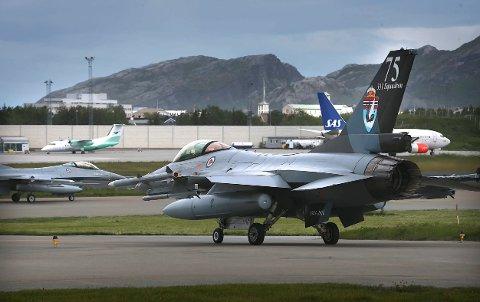 Flybyen Bodø.F-16,SAS og Widerøe