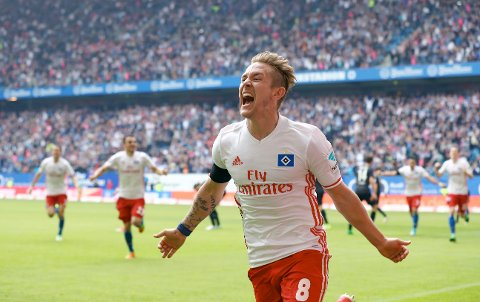 Hamburg's Lewis Holtby reacts after the Bundesliga soccer match between Hamburger SV and 1. FC'Cologne in Hamburg, Germany,  Saturday, April 1, 2017.  (Christian Charisius/dpa via AP)