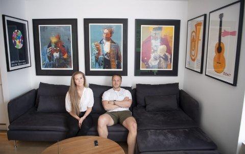 Ulrik Lislotts brennende interesse for moderne kunst   er tydelig i leiligheten han deler med kjæresten, Iselin Julie Steinbråten. FOTO: ARNE RISTESUND