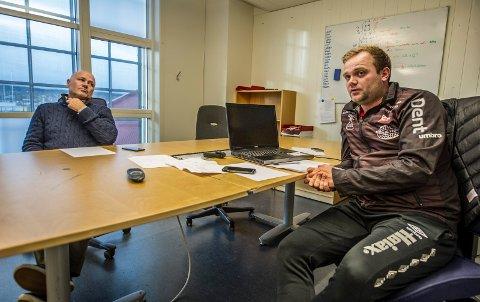 Glenn Rostad (til venstre) og Alexander Olsen på FFKs trenerkontor fredag ettermiddag. Dueon leder FFK søndag.