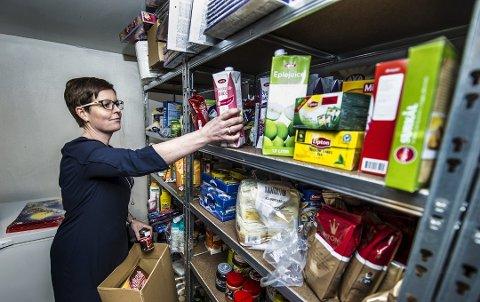 STØRRE BEHOV: Stine Carlsen og organisasjonen Hjelp oss å hjelpe sa i fjor at de opplever at stadig flere familier trenger hjelp med mat og andre ting. FB skrev i mars om at det i løpet av kort tid er blitt flere hundre barn i Fredrikstad som lever i relativ fattigdom.