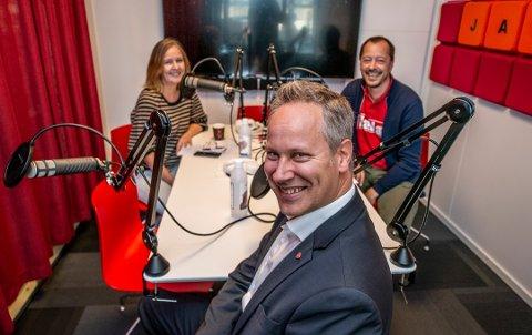 STORTINGSKANDIDAT: Jon-Ivar Nygård i podkaststudio nylig, sammen med FBs Randi Kristoffersen og René Svendsen. (Foto: Geir A. Carlsson)