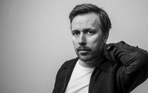 Ny plate: Vidar Vang (41) slipper sitt nye album «8530 Bjerkvik» med en konsert i Bjerkvik 13. april.   Å spille i Bjerkvik er noe av det artigste og skumleste han gjør. Foto: Julia Naglestad