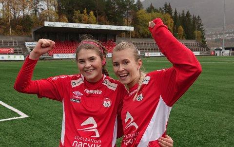 FÅR MEST: Bidraget til Fotballklubben Mjølner er det største, med sine 105.158 kroner. Her representert ved Kamilla Nilfjord Høgbakk og Sara Hagen Skøld.